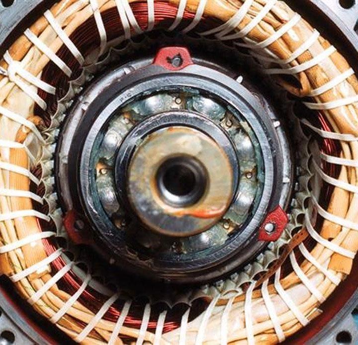 Ce cauzează producerea bruscă a unui zgomot la rulmentul SKF?